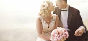 pink bouquet couple